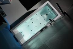 Cubic banheira de hidromassagem 1